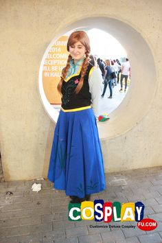 Anna Cosplay from Frozen in Romics 2014 IT