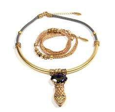 This elegant set of jewellery will definitely enhance every woman's beauty! #gift #present #cadeau #geschenk #bijou #Hultquist #armband #bracelet #necklace #collier #ketting #daisiesandcaramel