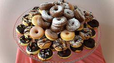 mini-donutky Doughnut, Sweet Recipes, Food And Drink, Cupcakes, Baking, Drinks, Desserts, Australian Men, Hampers
