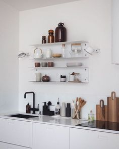 Open kitchen shelves styling inspiration Open kitchen shelves as inspirat. Plywood Furniture, Kitchen Furniture, Kitchen Decor, Ikea Kitchen Shelves, Design Kitchen, Minimal Kitchen, Open Kitchen, Home Renovation, Home Remodeling