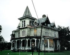 Would love to fix this place up. - Max Hoffman House 1999 by History Rambler, via Flickr
