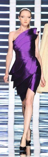 Everyone look fierce in intense violet! Purple Love, All Things Purple, Shades Of Purple, Purple Dress, Deep Purple, Purple Stuff, Purple Fashion, Net Fashion, Womens Fashion