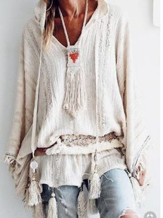 Boho has taken over as fashion craze in summers, for some years now. This is obvious since they are very comfortable and fashionably unique. Fashion experts are right when they describe Boho…View Post Mode Hippie, Mode Boho, Hippie Style, Hippie Boho, Boho Gypsy, Gypsy Cowgirl, Mode Outfits, Fashion Outfits, Womens Fashion