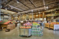 """The design for Fresh St. Farms by retail design firm King Retail Solutions (""""KRS"""") purposely avoids perfection in order to complement the store's local, fresh, affordable food offering for urban shoppers Supermarket Design, Retail Store Design, Visual Merchandising, Retail Solutions, Food Retail, Farm Store, Sustainable Food, Branding, Design Furniture"""