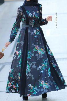 Modest Dresses from the Golden Globes Abaya Fashion, Muslim Fashion, Modest Fashion, Fashion Dresses, Modest Maxi Dress, Modest Outfits, Hijab Dress, Modest Clothing, Mode Abaya