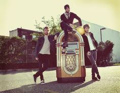 Jukebox the Ghost<3   LOVE!!!!!!!