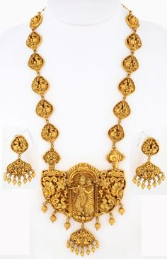 Gold Jewelry In Italy Gold Temple Jewellery, Mens Gold Jewelry, India Jewelry, Jewelry For Her, Gold Jewellery Design, Bead Jewellery, Pendant Jewelry, Jewelry Art, Wedding Jewelry
