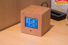 Heute mal einkleines Do it yourself Projekt, bei dem die Tüftler und Holzwerker mit etwas Elektronik-Kenntnissen zum Zuge kommen.Ihr erfahrt wie man einen kleine WLAN-Server mit Farbdisplay in Würfelform bastelt und in Buche furniert.Das Display informiert Euch dann über die aktuelle Raum- als auch Außentemperatur. Als Außenfühler basteln wir ebenfalls einen drahtlosen WLAN-Temperatursensor, den wir […]