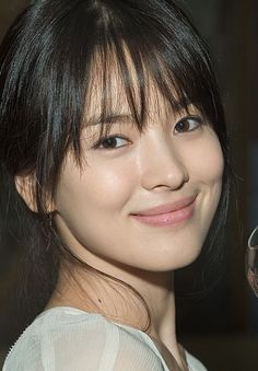 The Annual Independent Critics Listing of the 100 Best Facial looks. Korean Beauty, Asian Beauty, Classy Halloween Costumes, Hairstyles For Gowns, Song Hye Kyo, Model Face, Beautiful Asian Women, Exotic Women, Celebrity Look