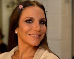 Quer brilhar como Ivete Sangalo? Siga o passo a passo do make da cantora → #redeglobo #gshow #moda #beleza #rosto #make #ivetesangalo