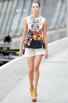 Mary Katrantzou Spring 2011 Ready-to-Wear Fashion Show - Mia Frilander