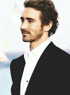 Lee Pace has the most incredible hair. It's so textured and perfect
