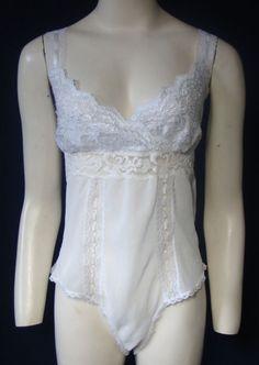 Natori White Lace Teddy Size Medium Romantic Plunge Criss Cross Laced Straps M #Natori