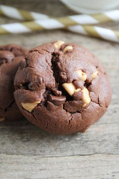 soft chocolate peanut butter cookies!!