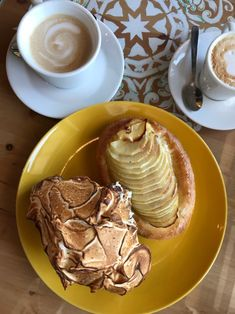 Lemon Meringue and Apple Tart at La Sicilia Houston Tasty Pastry, Houston Restaurants, Coffee Shops, Meringue, Tart, Brunch, Lemon, Apple, Snacks