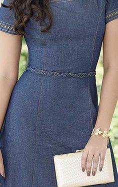 VESTIDO LONGO JEANS 10639 - Clássica Moda Evangélica Denim Kurti Designs, Kurti Neck Designs, Denim Vestido, Jean Vest, Love Jeans, Denim Jeans, Denim Skirt, Jeans Dress, Dress Skirt