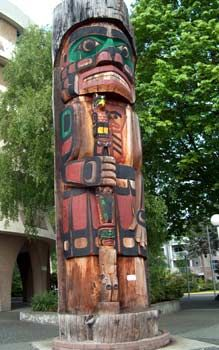 """Duncan, BC - Richard Hunt's Cedarman which is the world's largest pole in diameter, measuring 6' 7"""" across!"""