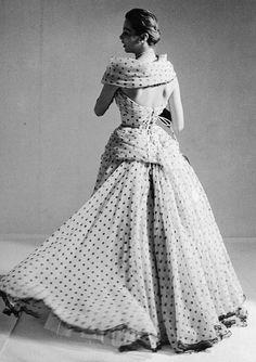 Marie-Thérèse in Pierre Balmain ♥ 1957