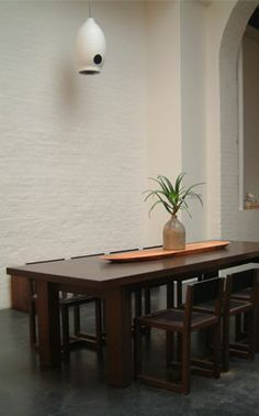 Dining table. BDDW Elgin table