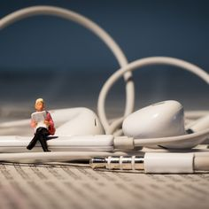Find thousands of free audio books for kids and adults with these six sites and apps.