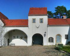800px-Jagdschloss_Grunewald_gate_HDR.jpg (800×642)
