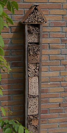 From bijenlint, a narrow high rise bee hotel, which could easily be a garden sculpture or just a vertical marker