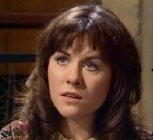 """Elisabeth Sladen (Sarah-Jane in """"Doctor Who""""). Sarah Jane Smith, Doctor Who Cosplay, 4th Doctor, New Doctor Who, Jon Pertwee, Doctor Who Companions, Classic Doctor Who, Photography Movies, Female Doctor"""