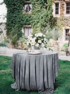 Wedding Table Setting | Bridal inspiration shoot at old world castle | itakeyou.co.uk
