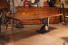 Table industrielle réalisé avec vieux pied fonte Vintage