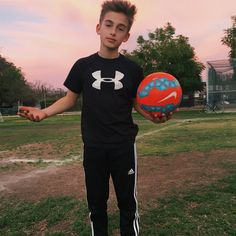 Media Tweets by Johnny Orlando (@johnnyosings) | Twitter