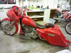 Sick bagger with our chrome Penthouse wheel! Custom Motorcycle Wheels, Bagger Motorcycle, Custom Bikes, Custom Motorcycles, Harley Bagger, Harley Bikes, Trike Scooter, Custom Street Glide, Harley Road Glide