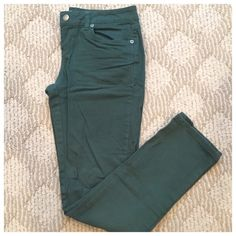 Hunter Green Skinny Jeans 99% Cotton, 1% Spandex Zana Di Jeans Straight Leg
