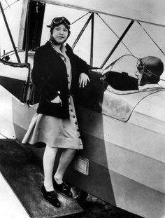 Chinese American aviatrix Lully Goon