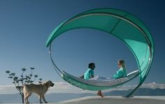 If you're looking for comfort, luxury and an elegant addition to your backyard, this is the hammock bed to go for. Designed by Eric Nyberg and Gustav Storm for Royal Botania, the new Wave hammock takes a sleek, modern spin on a classic design for. Pouf Design, Futuristisches Design, Deco Design, Design Ideas, Modern Design, Wave Design, Design Hotel, Smart Design, Interior Design