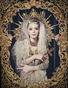 Anna Tsuchiya (the gold border is gilding -- unsure if water or mordant; Headdress, Headpiece, Madonna, La Madone, Art Photography, Fashion Photography, The Grisha Trilogy, Mystique, Religious Art