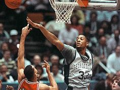 #33 Alonzo Mourning Throwback  Are you ready for basketball season?? Basketball Season, Basketball Legends, College Basketball, Alonzo Mourning, Georgetown Hoyas, New York Knicks, Nba, Coaching, Football
