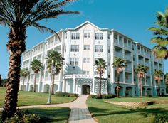 WM Orlando is wonderful.  Nice large rooms with a great pool area.  Close to all the parks AND the outlet mall.