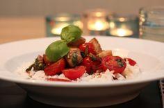 Balsamicotorsk med spinat og tomat Caprese Salad, Seafood Recipes, Cod, Grains, Rice, Favorite Recipes, Chicken, Dinner, Vegetables