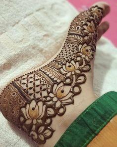 Wedding Henna Designs, Floral Henna Designs, Finger Henna Designs, Legs Mehndi Design, Back Hand Mehndi Designs, Latest Bridal Mehndi Designs, Mehndi Designs Book, Mehndi Designs For Girls, Mehndi Designs For Beginners