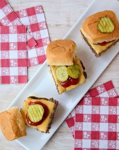 """""""Easy Cheeseburger Sliders"""" - this recipe has a trick for serving a crowd this summer!"""