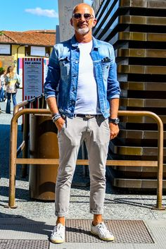 New casual mens fashion. Lässigen Jeans, Outfit Jeans, Casual Jeans, Men Casual, Dress Casual, Trend Council, Older Mens Fashion, Mens Fashion Suits, Style Costume Homme