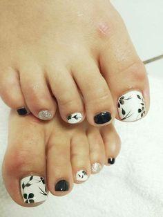 Toe Nail Designs For Fall, Toe Designs, Pedicure Designs, Nail Art Designs, Wedding Toe Nails, Wedding Toes, Hair And Nails, My Nails, Pink Toes