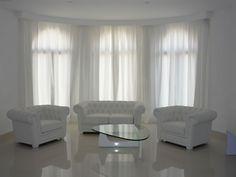 Unos #visillos ligeros pueden ofrecer esta óptica tan relajada  de este rincón del #hogar.