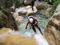 8 deportes de verano: el barranquismo con agua... #verano #barranquismo #deporte