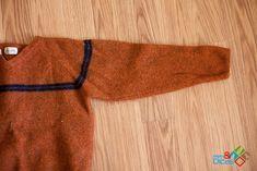 Como fazer roupa para cachorro com manga de blusa