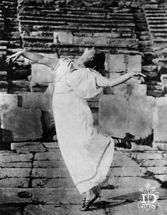 About Isadora Duncan