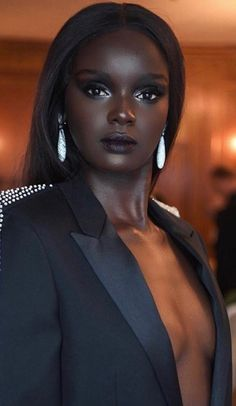 Makeup for Dark Skin: Best Tutorial for Black Skin Dark Beauty, Ebony Beauty, Beauty Skin, My Black Is Beautiful, Beautiful Eyes, Most Beautiful Women, Beautiful Dark Skinned Women, Exotic Beauties, Sexy Ebony