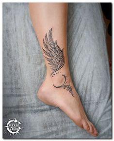 19 tiny wrist tattoo Designs For Women. - Tattoo Feder - Tattoo Designs For Women Tiny Wrist Tattoos, Anklet Tattoos, Back Tattoos, Sexy Tattoos, Body Art Tattoos, Small Tattoos, Tattoos For Guys, Tatoos, Feather Tattoo Wrist