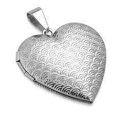 vintagehenkeen. #sydänkou #medaljonki #sydänriipus Pendant Necklace, Vintage, Jewelry, Fashion, Moda, Jewlery, Bijoux, Fashion Styles, Schmuck