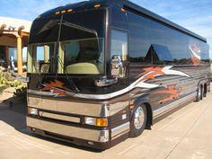 Jason Aldean's Tour Bus